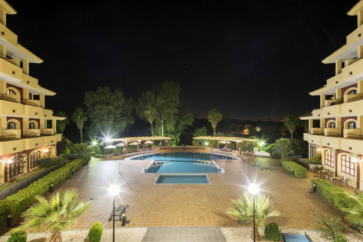 Piscina ilunion golf badajoz hotel ilunion golf badajoz